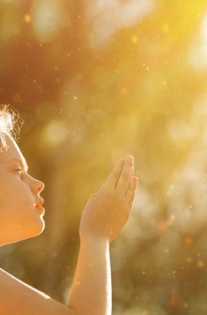 Conte thérapeutique pour enfants – La petite fée du pays de la lumière blanche