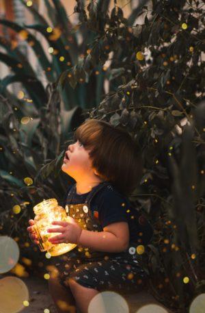 Conte thérapeutique pour enfants – Le petit lutin vieux comme le soleil